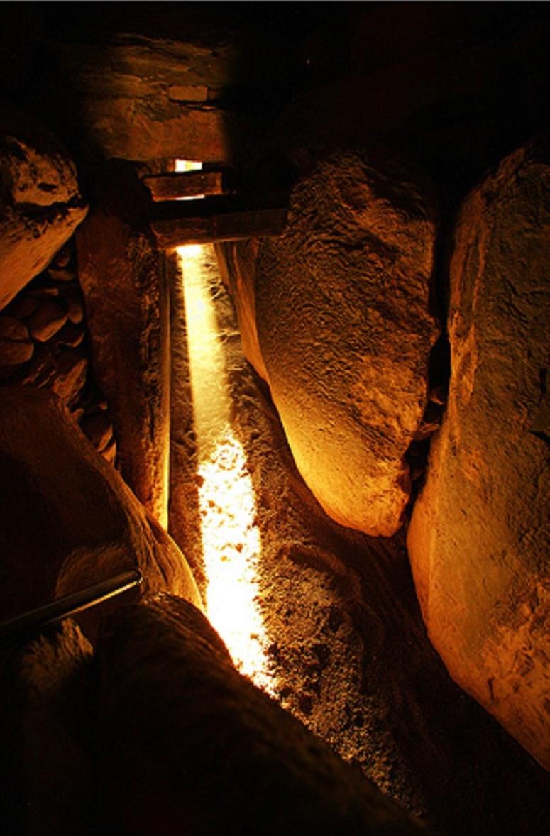 ancient_skies_about_history_32_newgrange_solstice_021