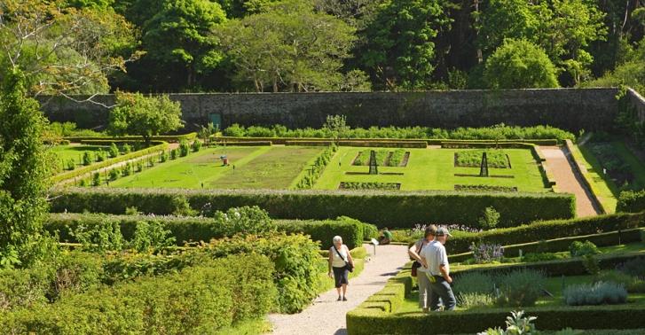 walled-garden-2